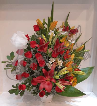 Rosas y flores de estación