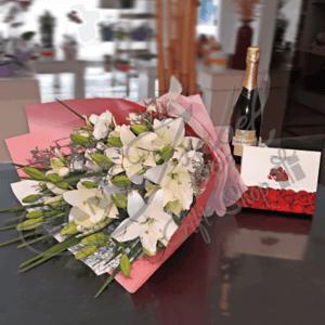flores bombones y chandon